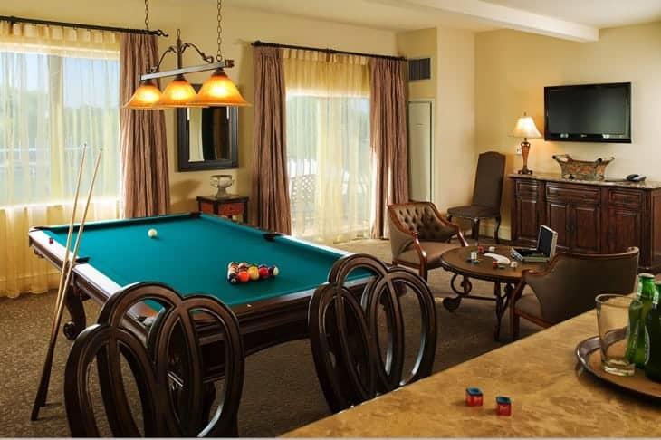 Le Rivage-Rm226 Billiards